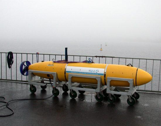 Das AUV Paul fährt vorprogrammierte Kurse bis in Tiefen von 3000 m selbständig ab.