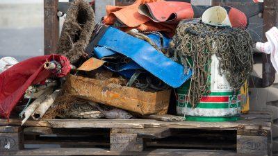 2016_08_30_Fishing-for-litter_7_Muell_vor_der_Ostseeinsel-Ruegen_Stefan_Sauer_Bildgröße ändern
