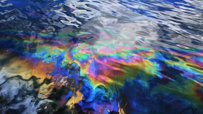 Oil spill from USS Arizona battleship in Pearl Harbor