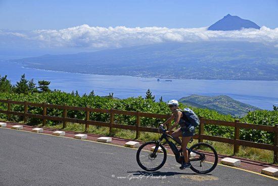 Blick auf den Mount Pico, Vulkan, Pico Azoren, von der Caldera a